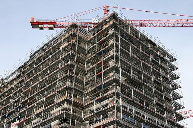 rehabilitación de fachadas en Cantabria, trabajos verticales en Santander, trabajos en altura en Cantabria, trabajos verticales a precios económicos en Cantabria